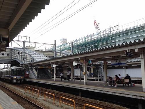 富山駅北陸本線のホーム