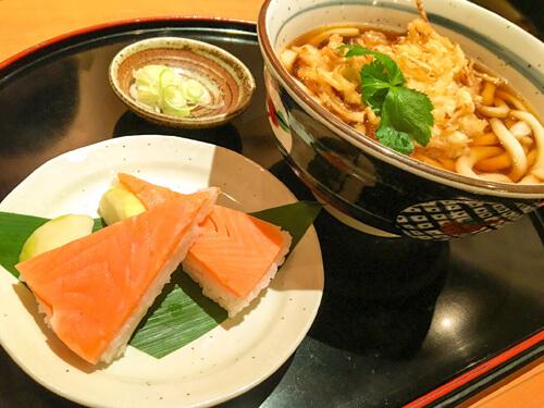 ます寿司や白えびかき揚げ天うどん