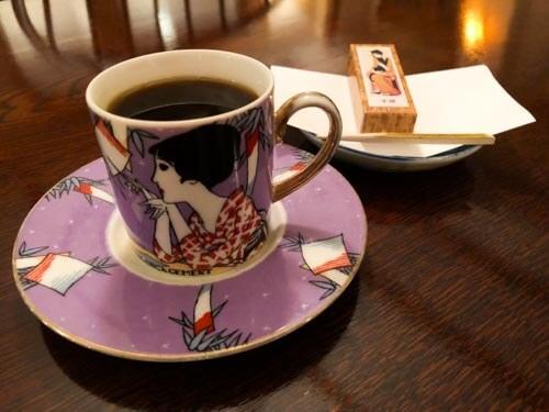 喫茶店「港屋サロン」