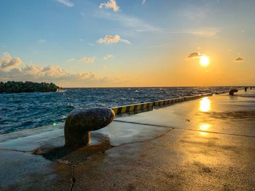 伊豆大島の西側に位置する元町港
