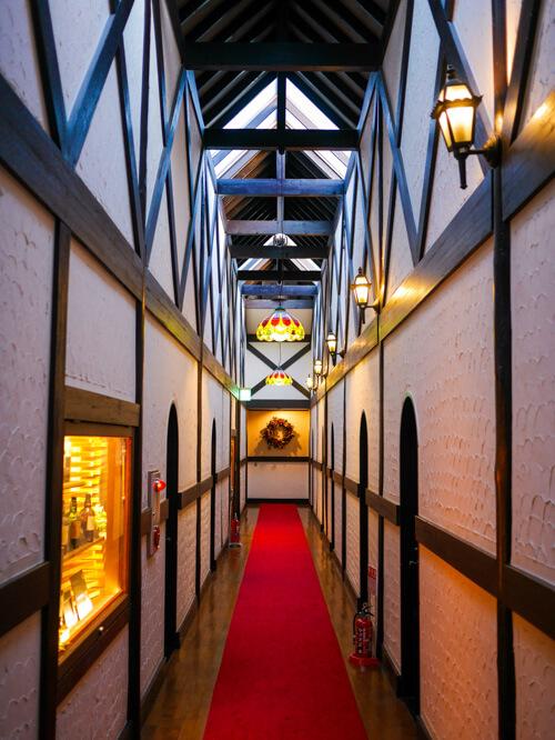 ホテル「ハット・ウォールデン」